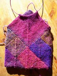 How to knit a Kindle Cover with mitered squares.  aknitica designs.